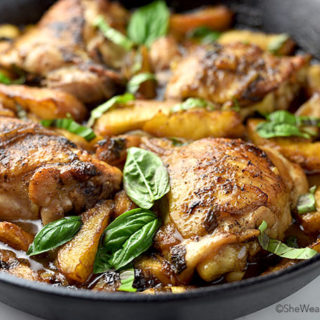 Easy Balsamic Basil Peach Chicken Recipe | shewearsmanyhats.com