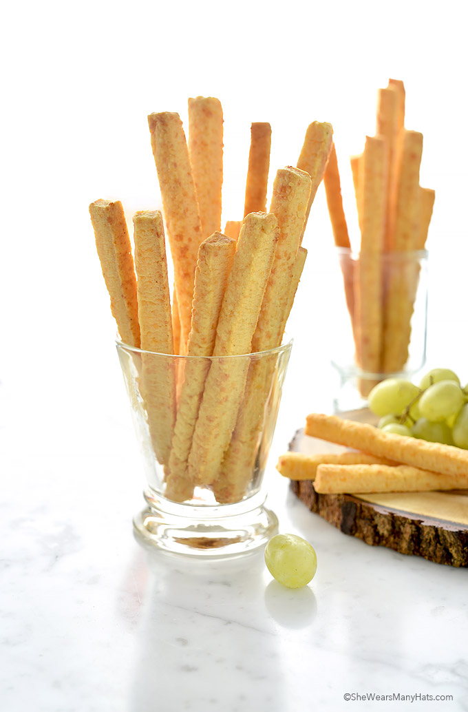 Spicy Southern Cheese Straws Recipe | shewearsmanyhats.com