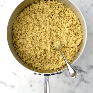 How to Cook Quinoa | shewearsmanyhats.com